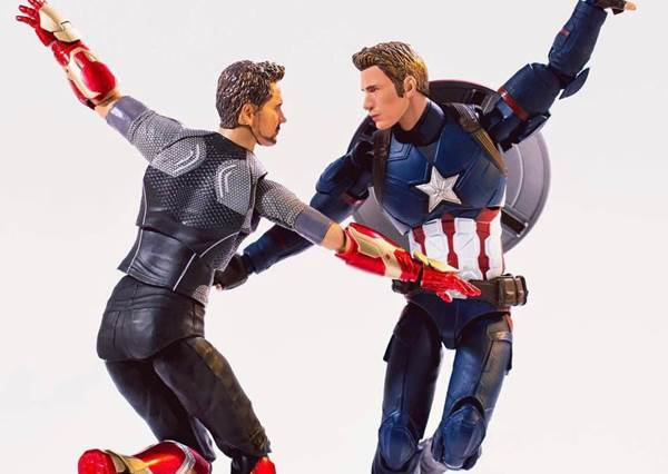 原來美國隊長和「他」是CP,還一起跳樂來越愛你?超級英雄私下生活大公開,也太有梗!
