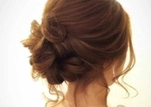 蓬鬆盤髮♡被邀請參加婚禮時就決定這個髮型了☆