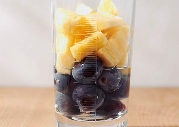 整天盯著手機眼睛酸? 不只美還顧眼睛的藍莓飲料不能放過,重點是這三種DIY果汁都超簡單!
