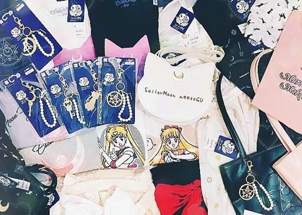 """代替月亮懲罰你""""繼續花錢""""!日本新聯名「美少女戰士」商品,露娜包簡直讓少女搶瘋了?"""