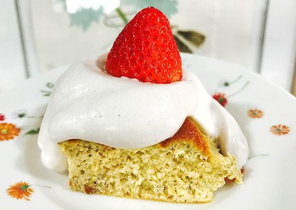 秘訣就在蛋白&蛋黃的攪拌!蓬鬆軟嫩的「舒芙蕾起司蛋糕」,只要3種食材就能做出來?