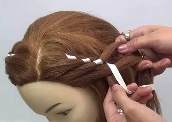 緊接著「扭轉編髮」流行的就是這個!簡單的「打結編髮」髮型