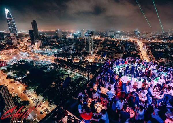 360度夜景無死角!《東南亞六大高空酒吧推薦》,曼谷的消費潛規則一定要記得