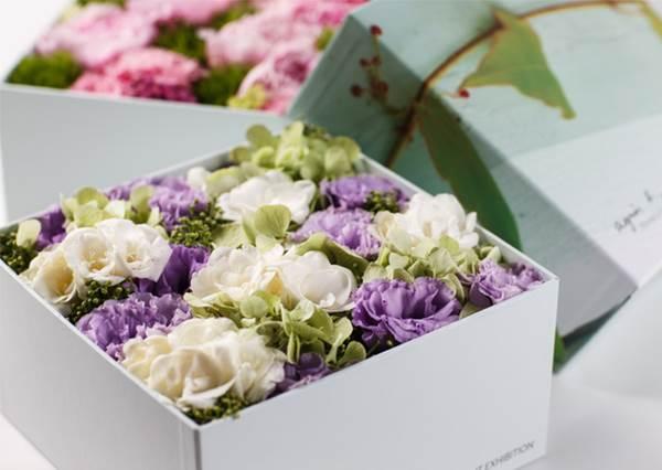 別再花大錢買大束花了! 教妳怎麼把喜歡的花都放進盒子送給人,關鍵:花不多但是更有感!