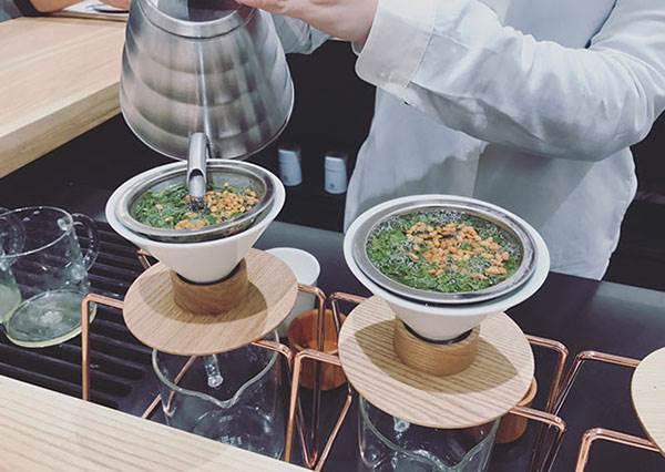 說到假掰他們絕對是王者!世界第一間手沖綠茶專賣店:僅9座位給識貨的人喝