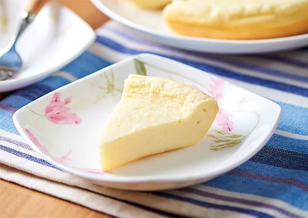 冷凍過的起司太硬不好打發怎麼辦?香濃軟滑的「日式起司蛋糕」其實用電鍋就能DIY!