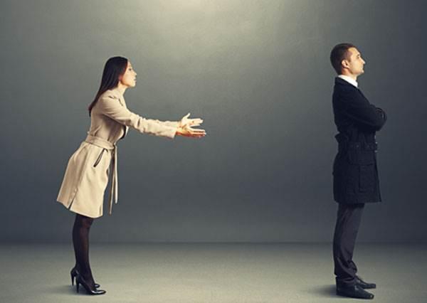 是分手前兆嗎?當男友說「想保持距離冷靜一下」時,最佳應對方式竟是先不要連絡一個月?!