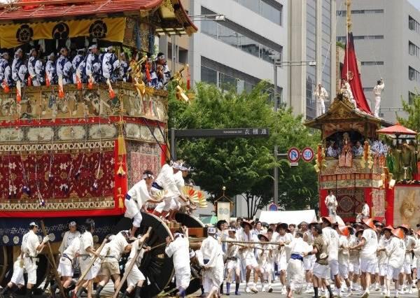 日本必踩三大祭典!連外國人都指名要看的京都山車遊行,根本就是「移動美術館」啊!