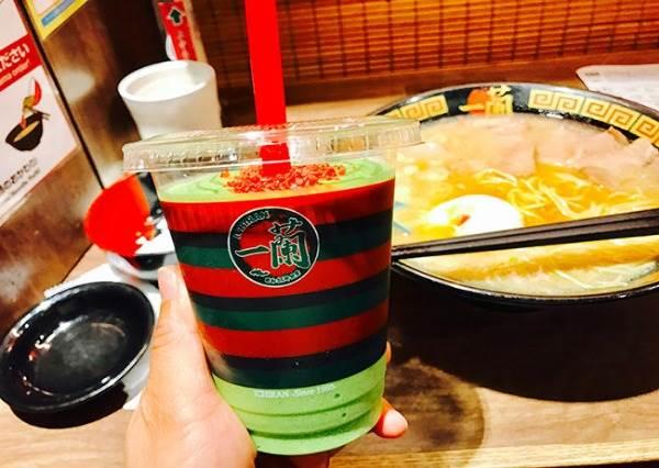 """日本一蘭才喝的到!夏季限定「抹茶豆乳奶昔」,連外包裝都超有""""拉麵感""""?"""