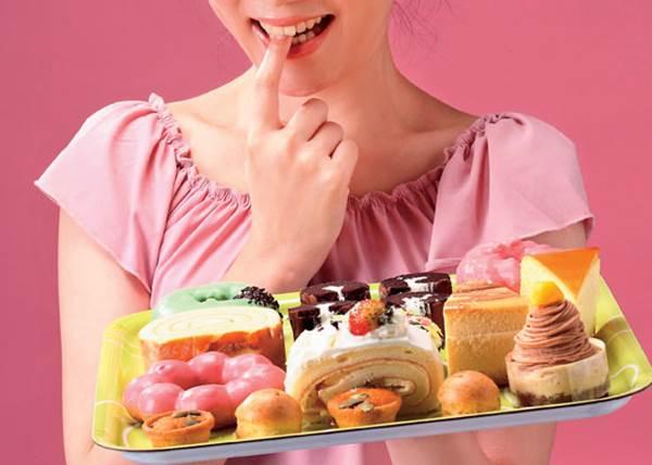 吃甜食反而會更憂鬱?!不開心時別急著吃巧克力,真正有效幫助放鬆的是這些食物!