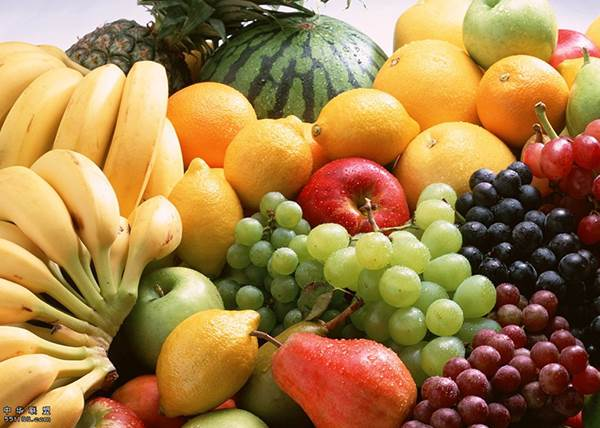 飯前或飯後吃水果其實都沒差?水果分兩種,吃對方法才能正確吸收養分