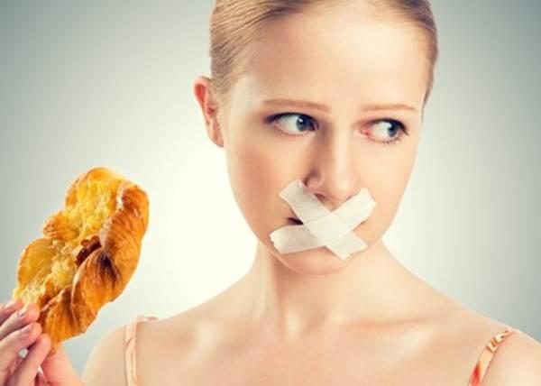 你吃對了嗎?5個現代人常忽略的「不良飲食習慣」:用餐時間沒超過20分鐘都不OK?