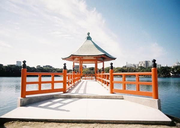 誰說只有京阪好玩!《日本福岡必訪景點TOP10》十大最美星巴克有兩家都在這?