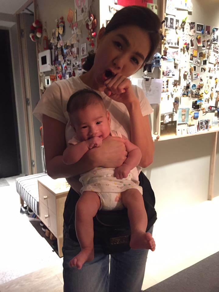 「沒有人是天生麗質」偷師Ella的快樂哲學&保養術,36歲一樣可以是少女心辣媽!