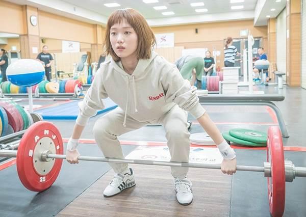再沒時間也能瘦!這4招天天做練出韓女偶像S曲線!小s的蜜桃翹臀就是靠第1招練起來的