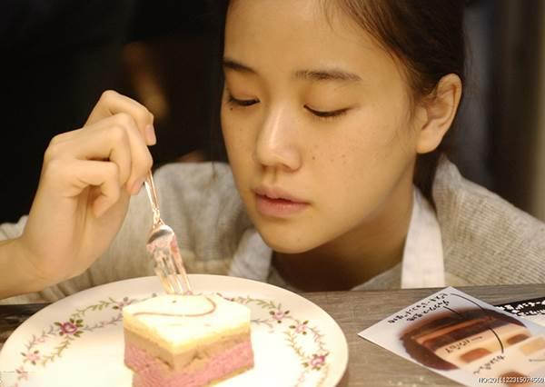 甜點界的高顏值代表!全台《夢幻可麗餅TOP7》,這間「彩虹餅皮+澎湃用料」完全視覺、味覺雙享受啊!