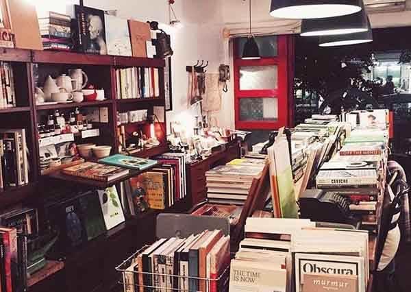 再忙也要裝氣質!特搜《全台特色書店TOP7》,在這間「復古沙龍書店」打卡完全從文青昇華成思想家啊~