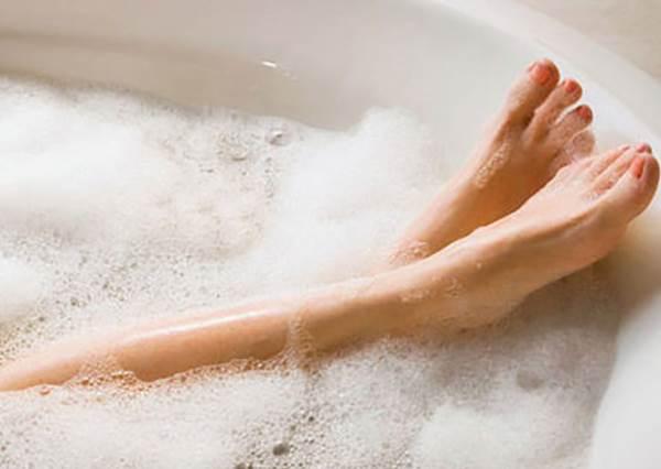 超享受瘦身法!泡「碳酸浴」的2大好處報妳知,泡澡前喝杯溫水效果更佳?!