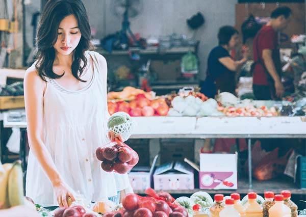 新手人妻必看!「傳統菜市場」的三大採買攻略:除了緊跟歐巴桑外這7樣東西不能不買!