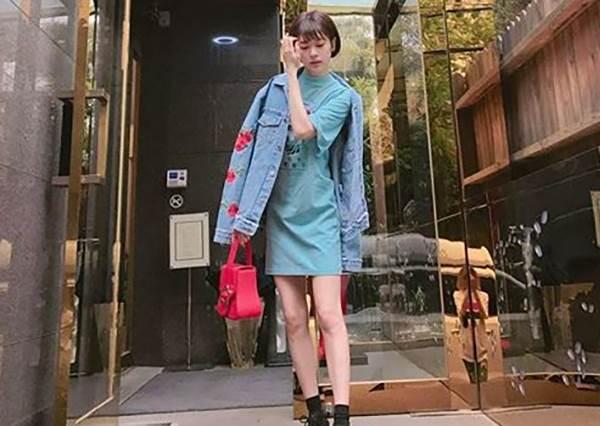 這腿一折就斷吧!52→42kg韓女星甩肉變衣架子,私服穿搭技巧比服裝師還厲害!