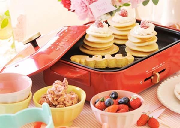 日本必買家電TOP 12!先別管神級吹風機了,這台「多功能烤盤」讓妳在家就能吃章魚小丸子!
