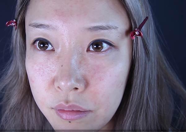 韓妞好膚質全是遮出來的?!人氣youtuber親身示範「遮瑕絕技」,泛紅粉刺痘疤全都能搞定!