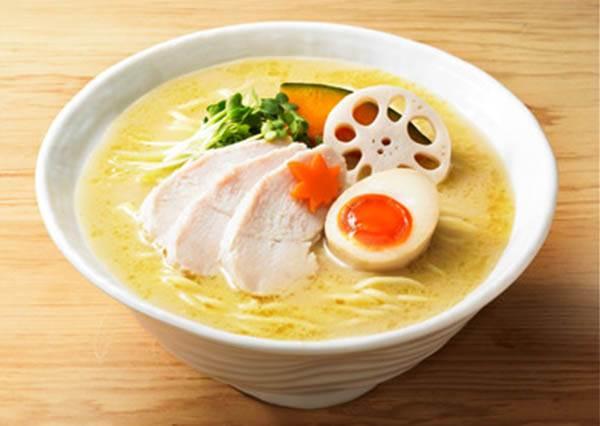 免排隊也能吃到名店美味✩日本超市必買「拉麵調理包」,雞湯拉麵拿來當宵夜剛剛好啊!