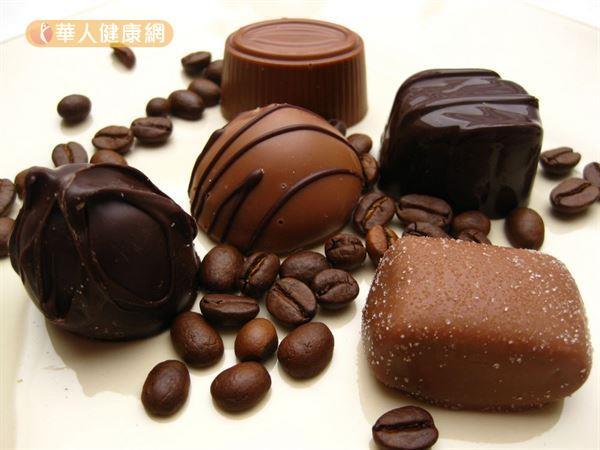 巧克力是常見又頗受國人喜好的隱藏版咖啡因食物。