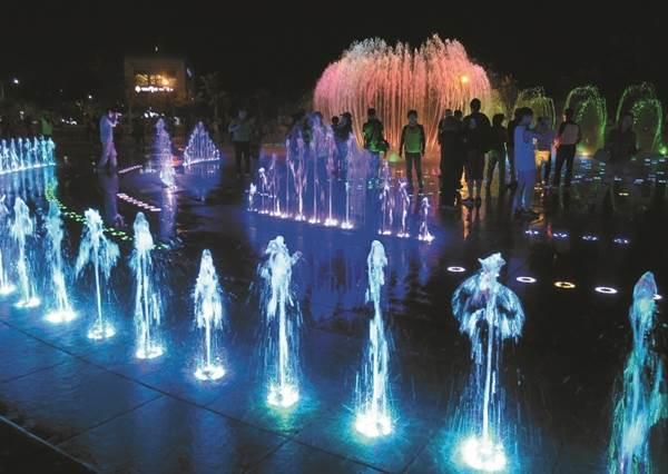 想巧遇歐爸就一定要來這!「韓國最美城市」6大夜景必朝聖,七彩夢幻噴泉就算手機濕全身濕也絕對要拍!