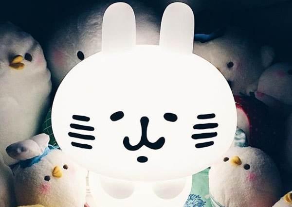 每樣都是傳家寶♥超敬業卡娜赫拉鐵粉的收藏大集合,有了超Q兔兔小夜燈誰還需要男友抱抱睡啊!