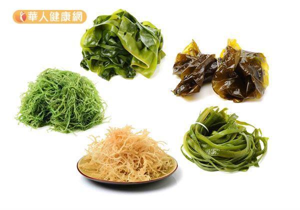 根據台灣食品營養成分資料庫顯示,每100公克的海帶熱量僅有20大卡,膳食纖維含量卻高達2.8公克。對於減重瘦身族來說,更是「高纖低卡」食物的最佳代表。(圖片/華人健康網提供)