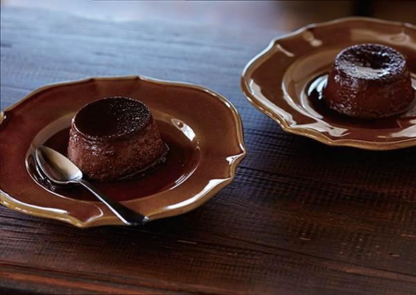 把沒喝完的咖啡粉加進去,在家就能DIY的大人味「巧克力布丁」,苦甜滋味雙重享受!絕對讓你上癮!