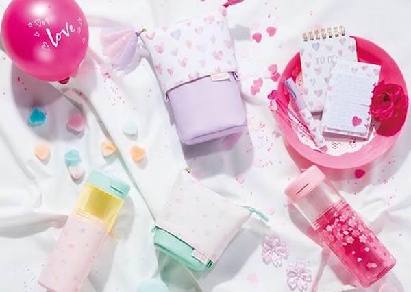 筆袋可以像水壺一樣扭開?!少女必備「粉嫩嫩櫻花文具」,敗完一整套也讓我的春天提早到來啦♡