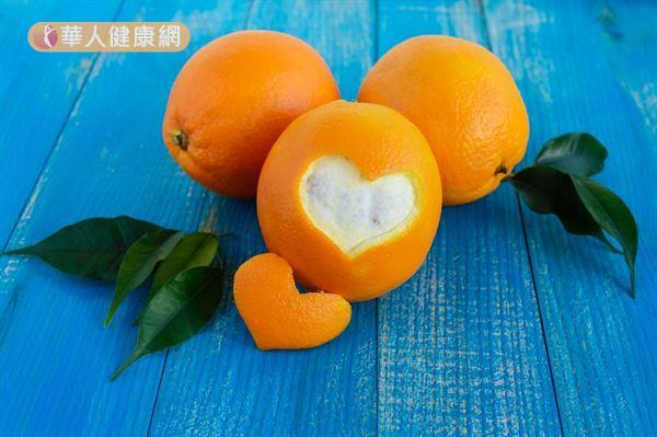 橘子中蘊藏的維生素與礦物質,能預防血管破裂與血管硬化,調節血壓。