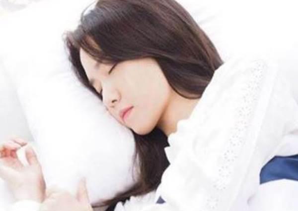 驚!睡錯小心一年胖10KG?!就算夜貓子也能做到的「正確睡眠」3原則:把握黃金三小時超重要!
