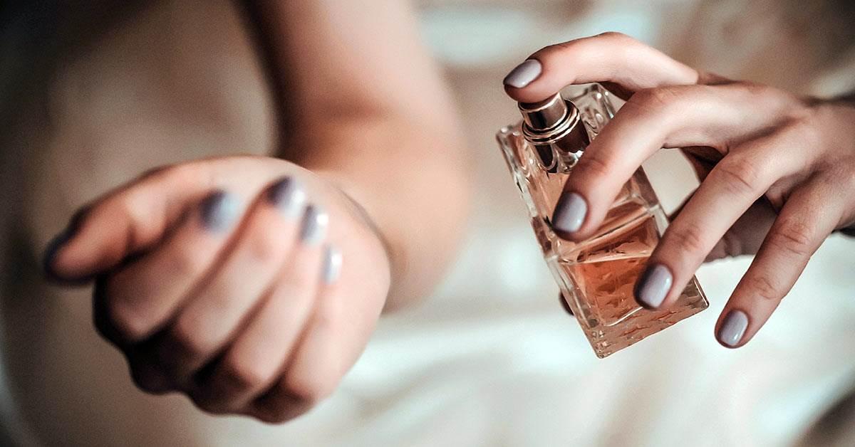 香水為什麼都要噴在手腕上?6個小tips讓香味更持久,連男友都稱讚妳香香der