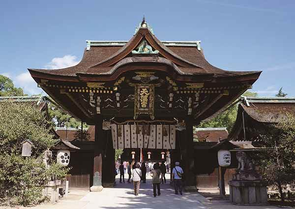 這是「神隱少女」的秘密湯屋?!來京都必訪「上京區景點」5選,泡完溫泉再來碗櫻花妹最愛的「貓飯」