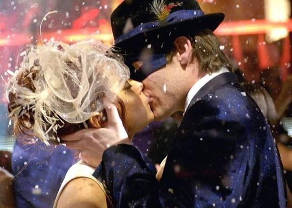 來,親一個!原來KISS不只是KISS 還能解除各種魔法!