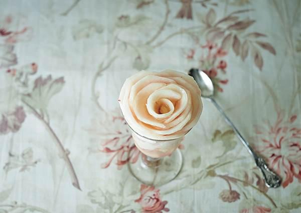 料理苦手也能美美完成!3款夏天吃了透心涼的「水蜜桃甜點」DIY,光這個外觀就直接讓朋友敲碗逼你開店啦