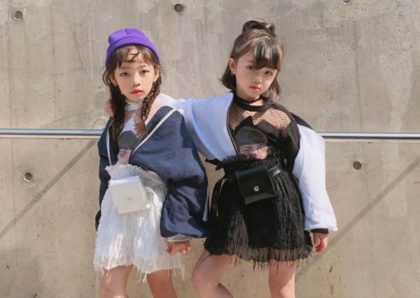 被她穿過的衣服歐膩都搶著要!迷你超甜網美姊妹的「可愛穿衣日記」,萌Q表情歐巴們搶抽號碼牌等長大啊!