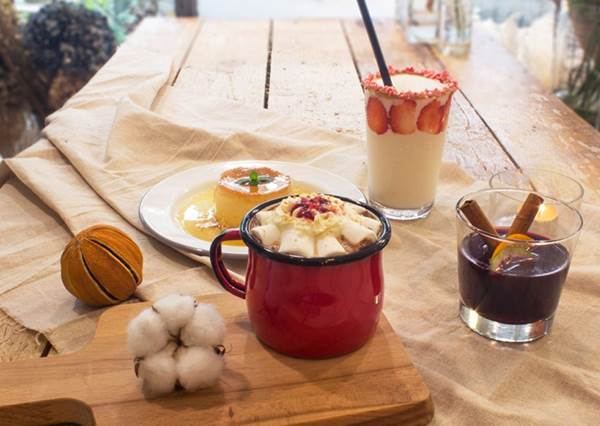 不愛抹茶也想點這杯漸層飲品!全台超夢幻乾燥花咖啡廳Top 5,每一間都美到連佛也動凡心啦