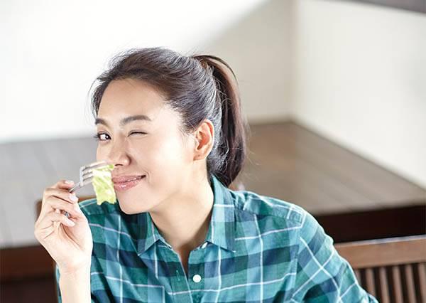 女星吃不胖秘密!竟不是吃得少,是隨身包包都會帶著一顆㊙㊙吃?!