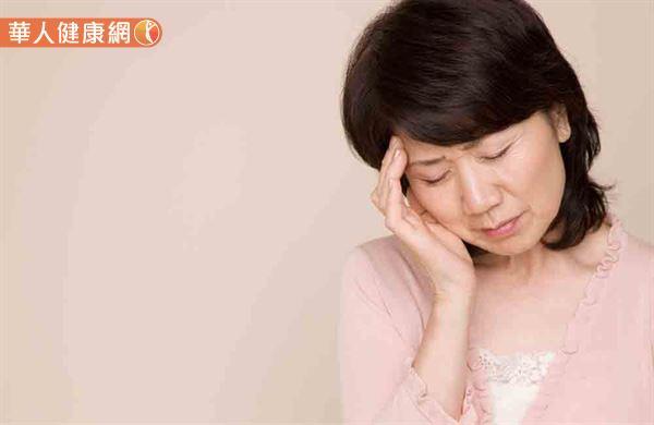 如果民眾的頭痛問題,已嚴重影響工作、日常生活。或是,發生長期依賴止痛藥的情形,最好要儘速至神經內科專門開立的頭痛門診。