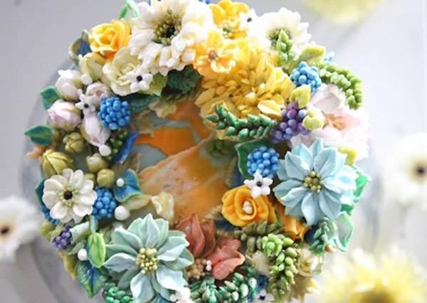 蝴蝶表示:這是詐騙集團啊!「神美系夢幻花朵杯子蛋糕」,奶油擠出的片片花瓣美成仙了怎麼捨得吃~