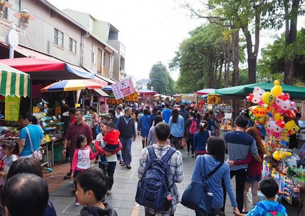 肚子太飽不要來!台南五條人氣老街必吃的《隱藏版美食》,來這裡就是要喝牛肉湯不然要幹嘛?