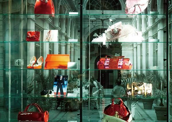 5千多款怎麼看得完!收藏控必朝聖的全球時尚「包包博物館」,從名人訂製款到影集裡的包包全部秀給妳!