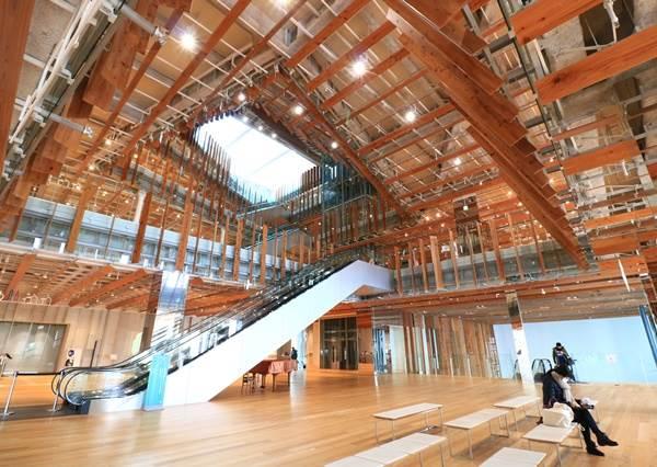 耗在裡面3hr也沒問題!秒殺底片的「夢幻玻璃長廊」就在日本,隨便拍都能騙朋友說你在拍電影啊!