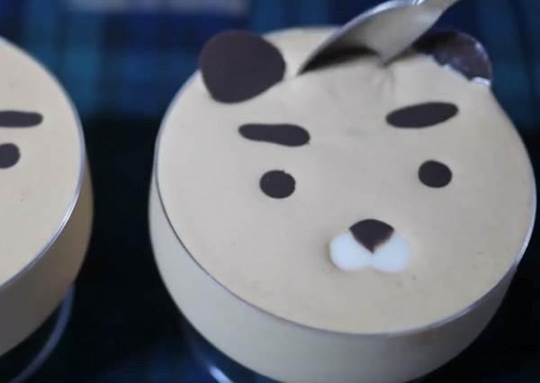 想吃甜點不用搬出烤箱!「超Q萌熊熊布丁」輕鬆做,竟然只要攪拌就完成了!