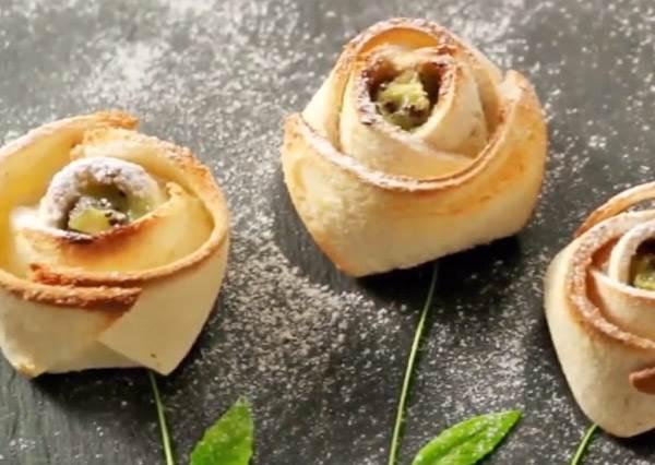 沒預算吃燭光晚餐?用玫瑰花吐司也能輕鬆搞浪漫,真的只要劃4刀這麼簡單!
