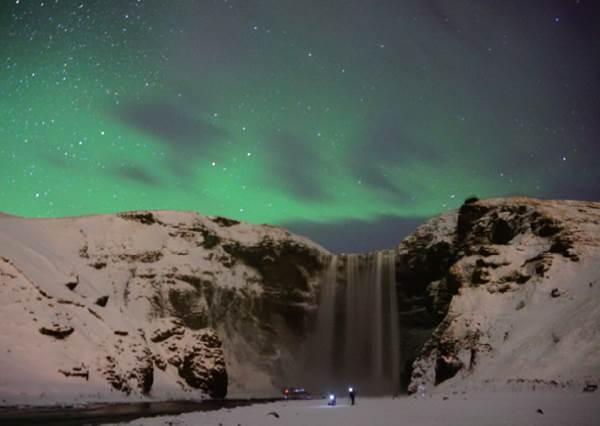 輕鬆打趴其他網美!只要跟著這份「冰島極光攻略」準備,入手認證照的成功率將近100%?